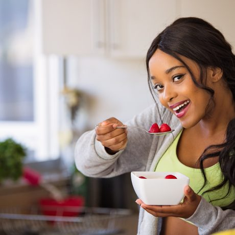 Try Natural Teeth Whitening with These 7 Foods